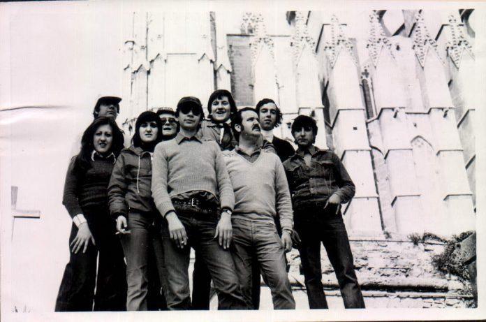 JOVENOTS A CIUTAT - 1975