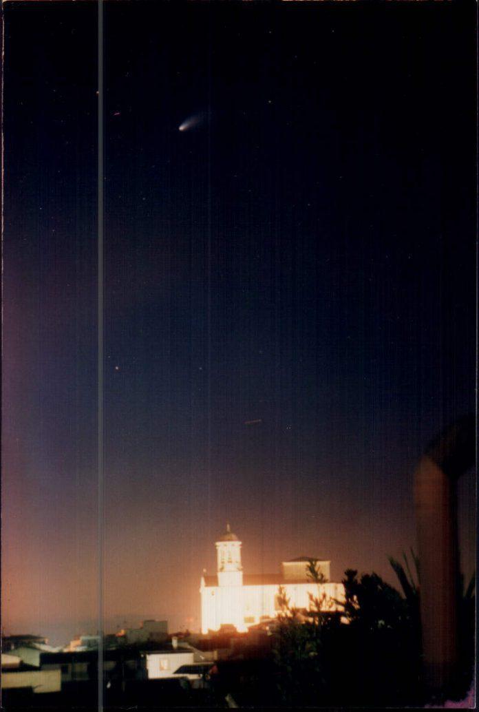 FOTO DE UN COMETA - 1997