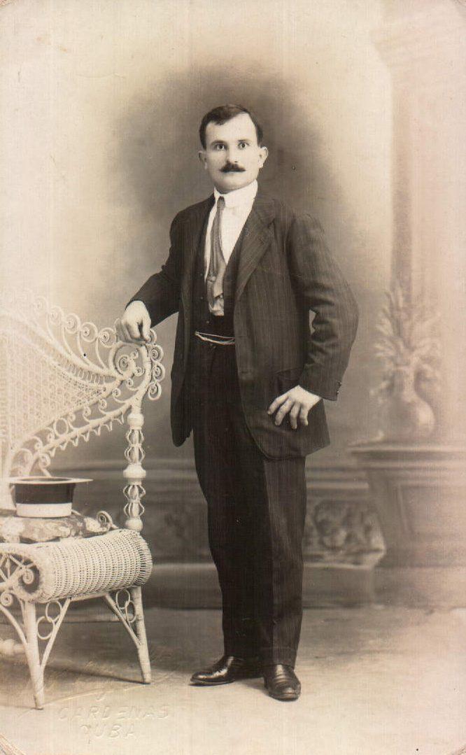 PERSONA FAMILIAR - 1930