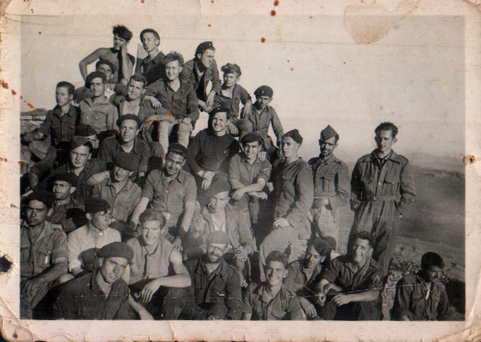 GRUPO MILITAR - 1945