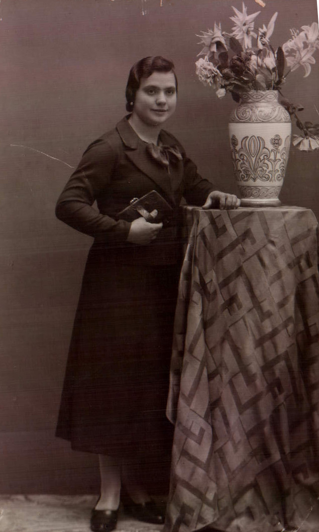 CATALINA BAUZA MUT - 1932