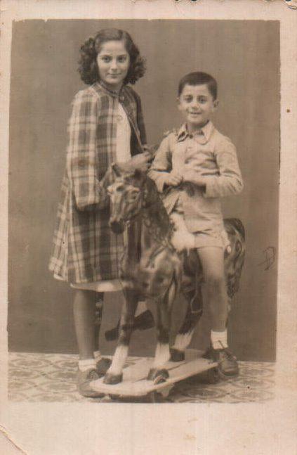 HERMANOS - 1945