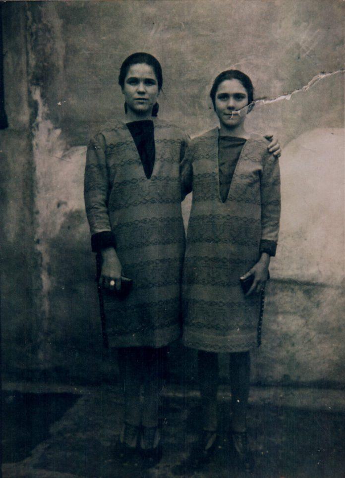 HERMANAS - 1930