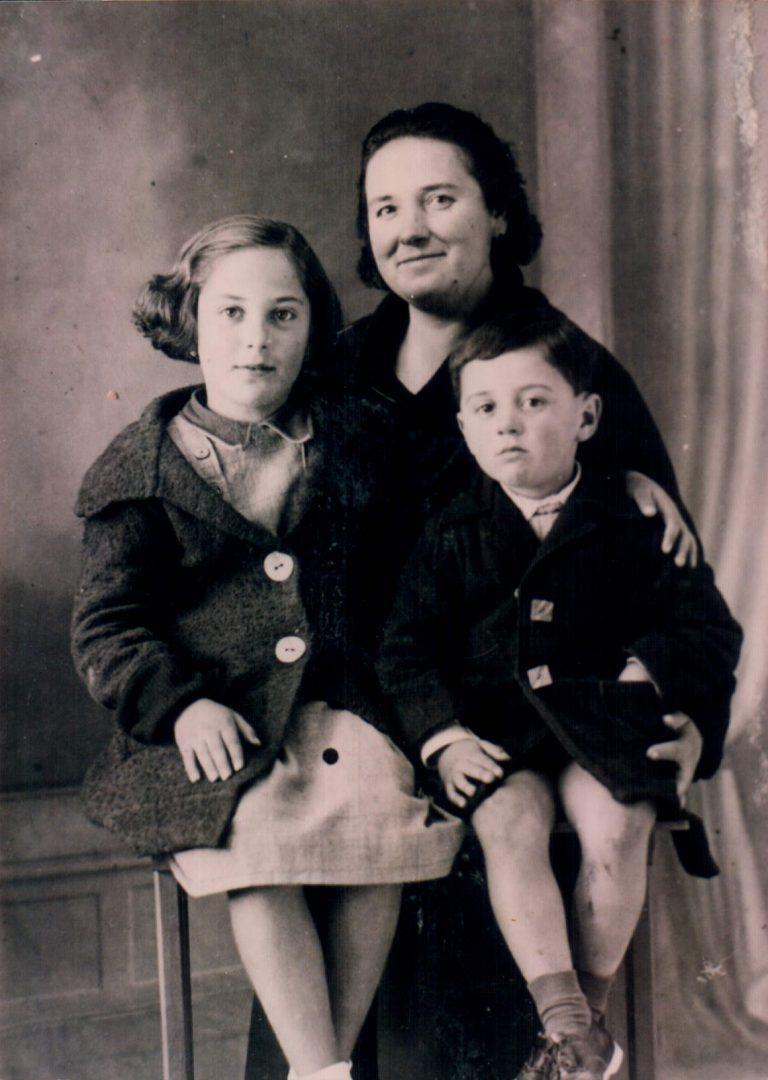 Madre e hijos – 1941