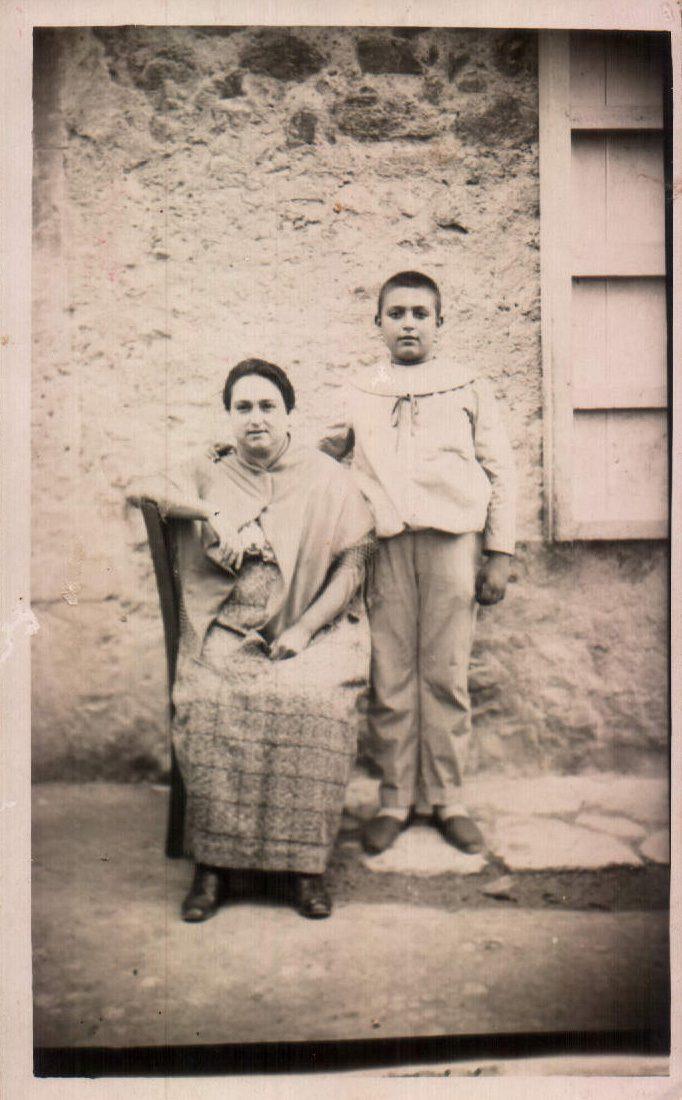 LA MADRE E HIJO - 1920