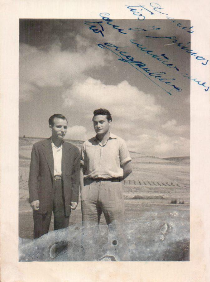 DOS HOMBRES EN EL CAMPO - 1956