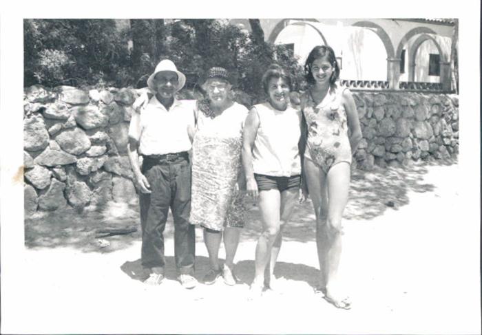 De vacaciones, playa de Artà – 1972