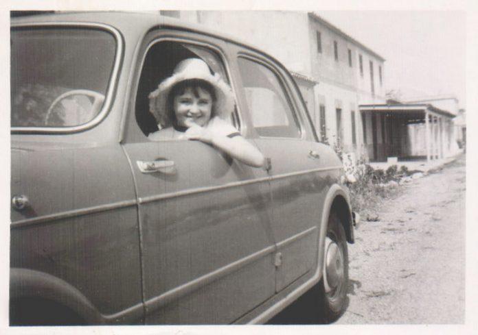NIÑA EN COCHE - 1967