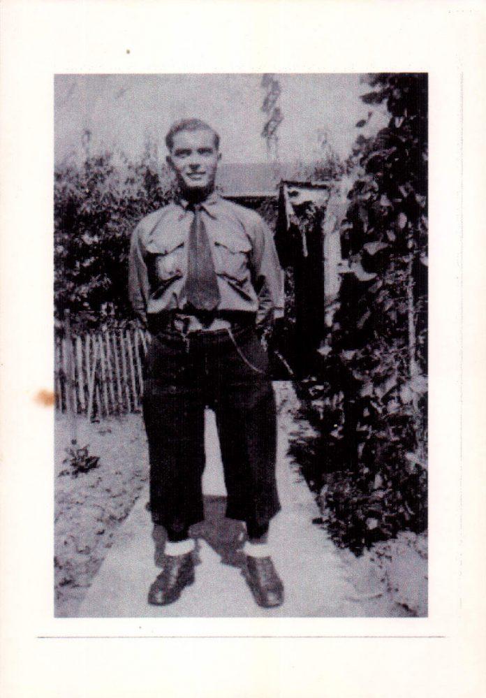 EL ABUELO UNIFORMADO - 1947