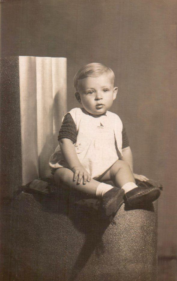 NIÑO POSANDO - 1966