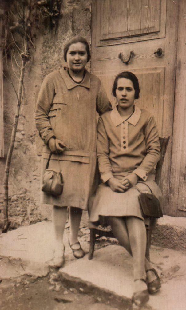 DOS CHICAS - 1930