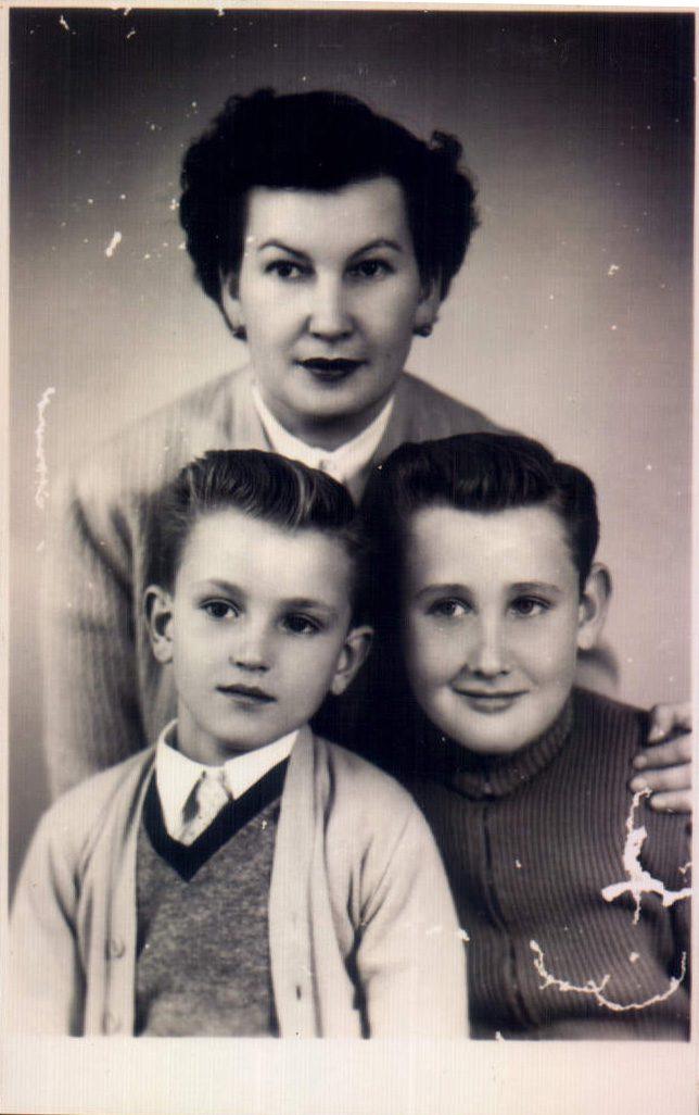 FAMILIAR - 1955