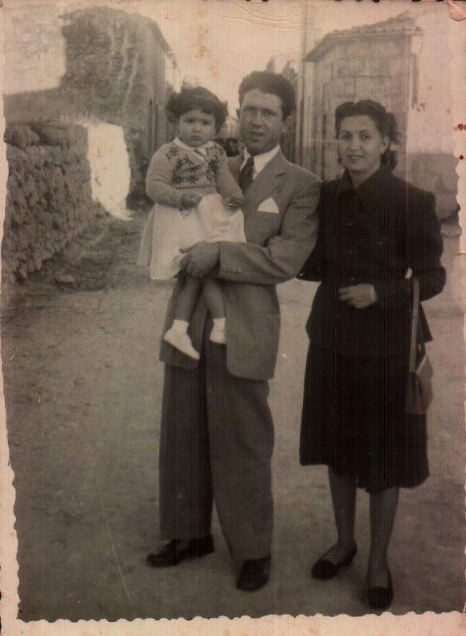 FAMILIAR - 1951
