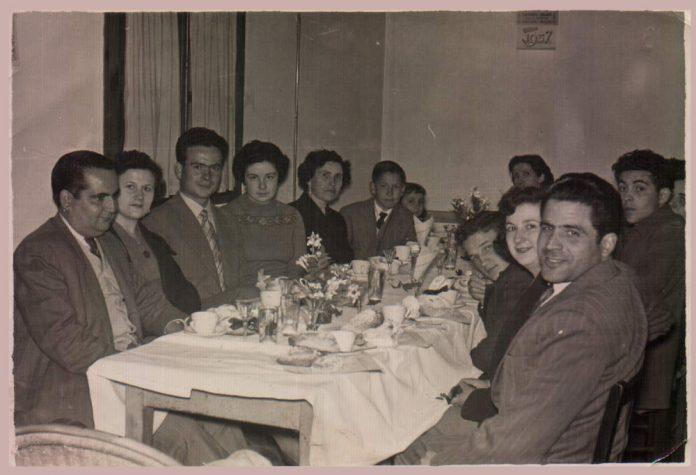 DINAR FAMILIAR - 1960