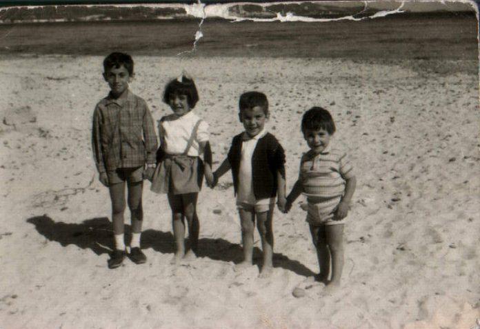 4 GERMANS A LA PLATJA - 1972