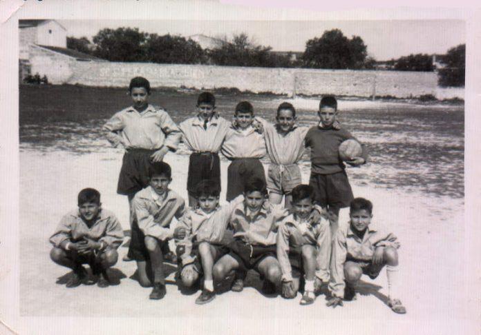 EQUIP DE FUTBOL ESTUDIANTS - 1954