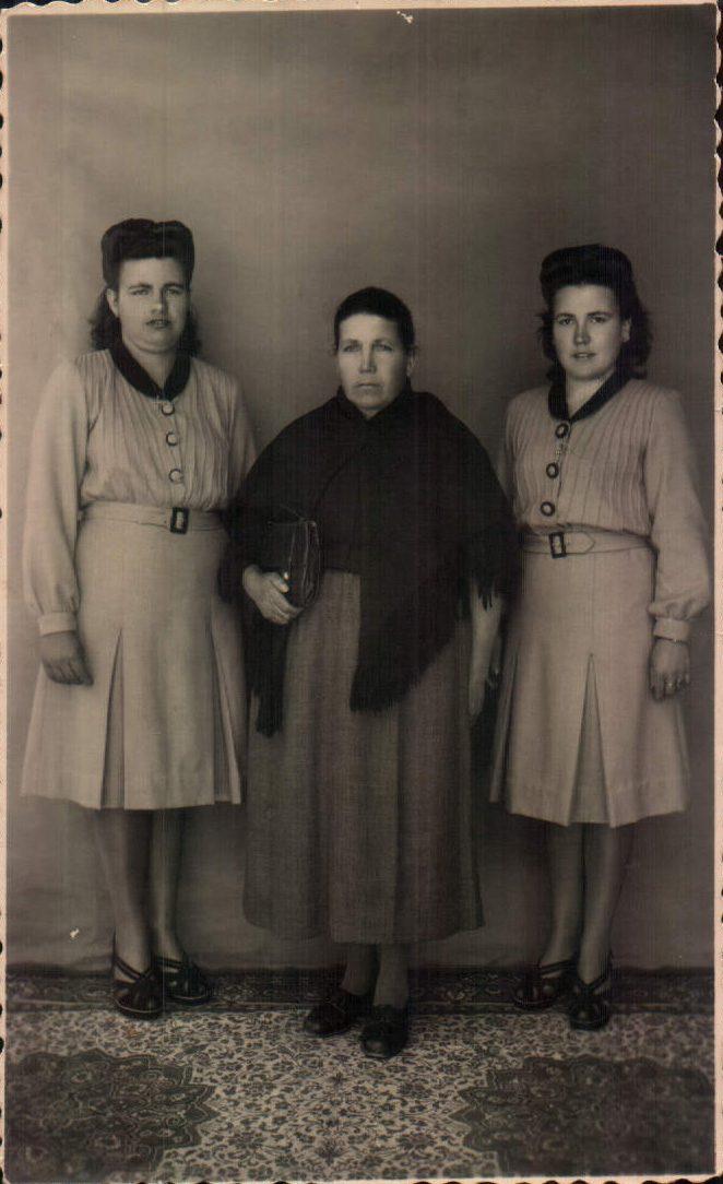 Madre e hijas – 1937