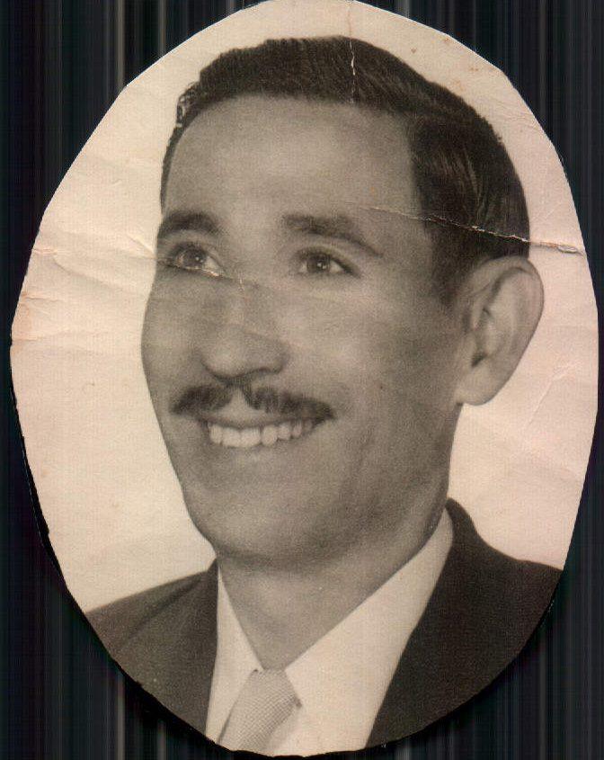 FOTO D´ESTUDI D´UN JOVE - 1945