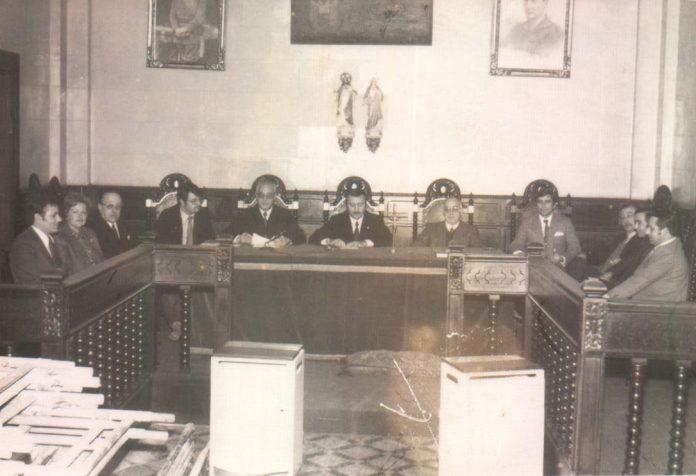 AYUNTAMIENTO DE ALCUDIA - PLENO - 1974