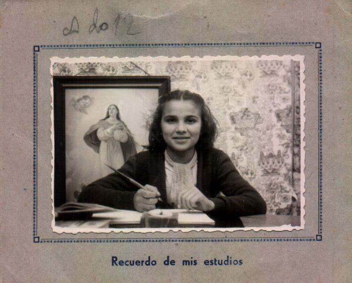 FOTO ESCOLAR DE UNA ALUMNA - 1946