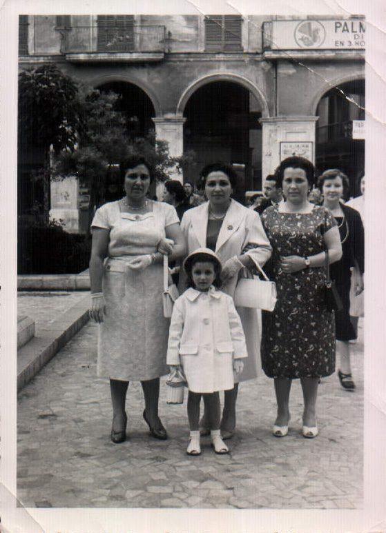 FAMILIA DE PASEO - 1954