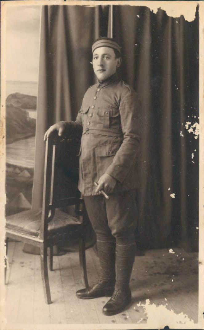 PADRE DE SERVICIO - 1920