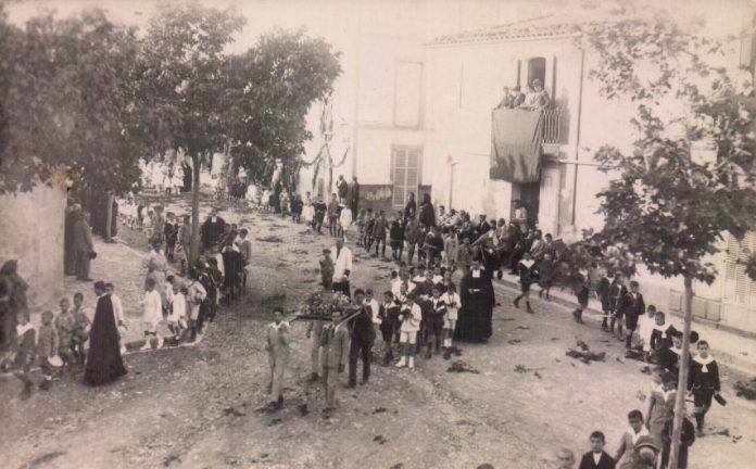 PROCESION EN ANDRATX - 1920