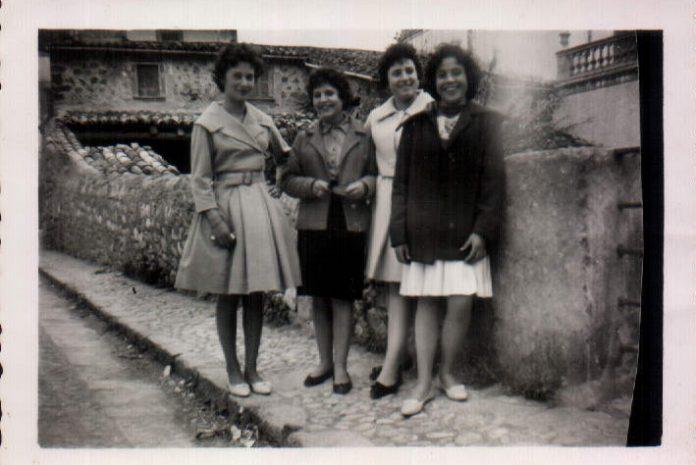 AMIGAS MI MADRE - 1956