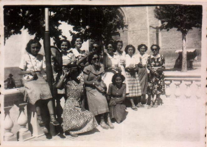 GRUPO AMIGAS - 1950
