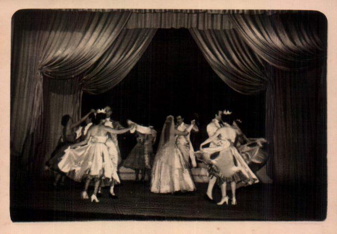 EN EL TEATRO - 1960