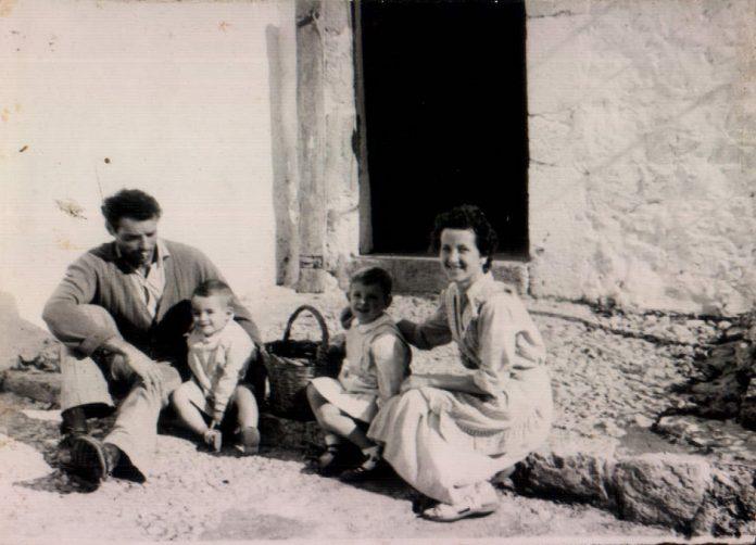 FAMILIA - 1961