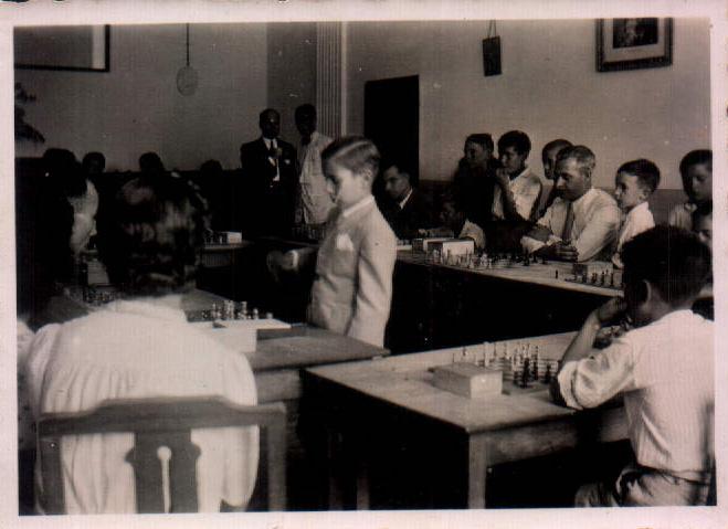 AJEDREZ - 1943