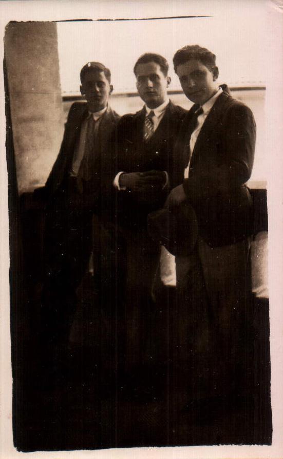 GRUPO AMIGOS - 1933