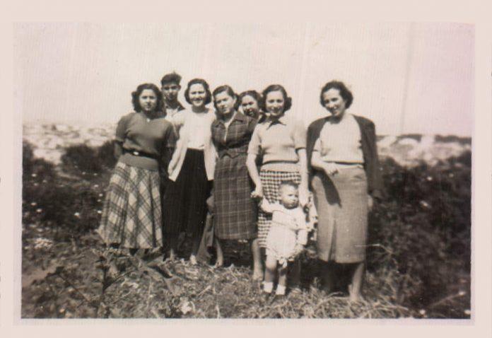 SA FAMILIA - 1950