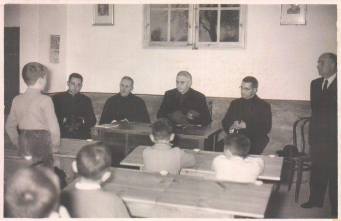 ESCUELA PARROQUIAL DE ALCUDIA - 1968