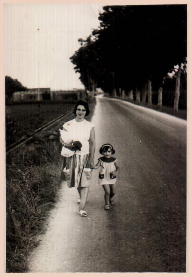 MADRE E HIJA - 1964
