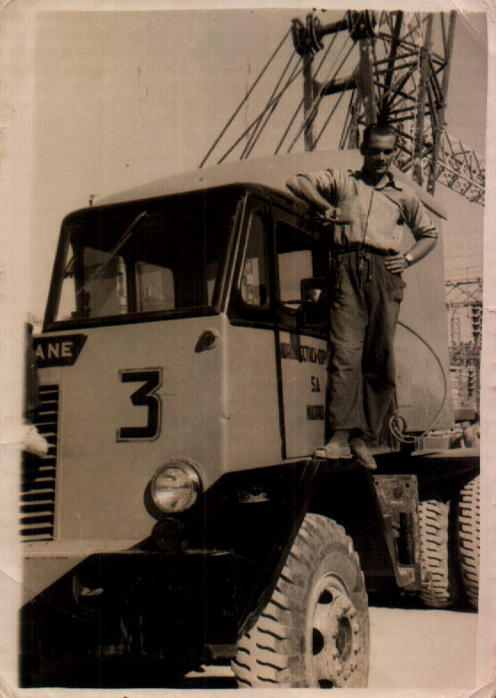HOMBE Y CAMION - 1952