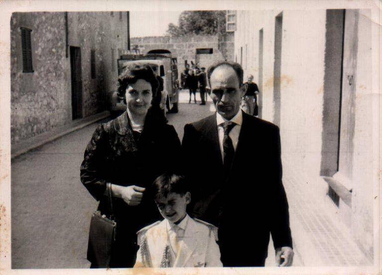 Familiar – 1976