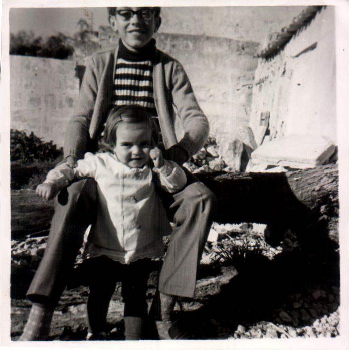 FAMILIARES - 1975