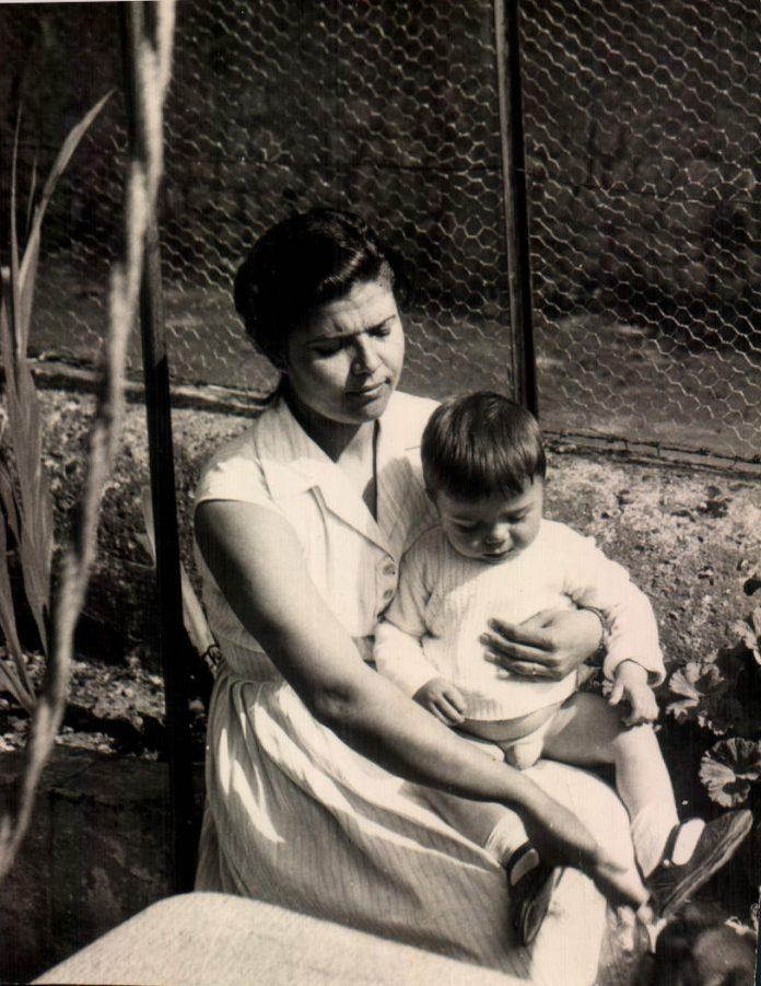 TIA E HIJO - 1958