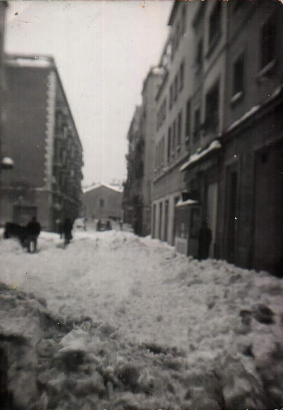 NEVADA EN BARCELONA - 1963