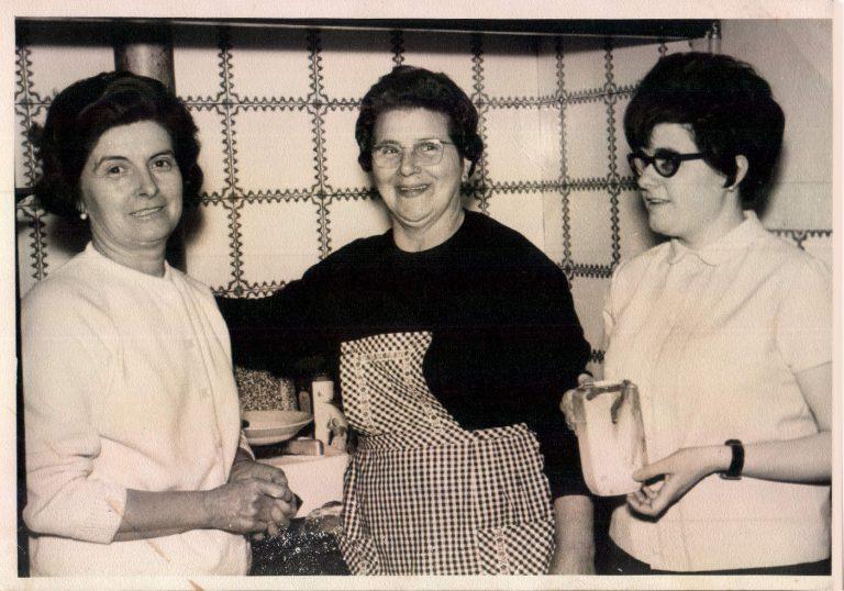 Visita a la cocina – 1975