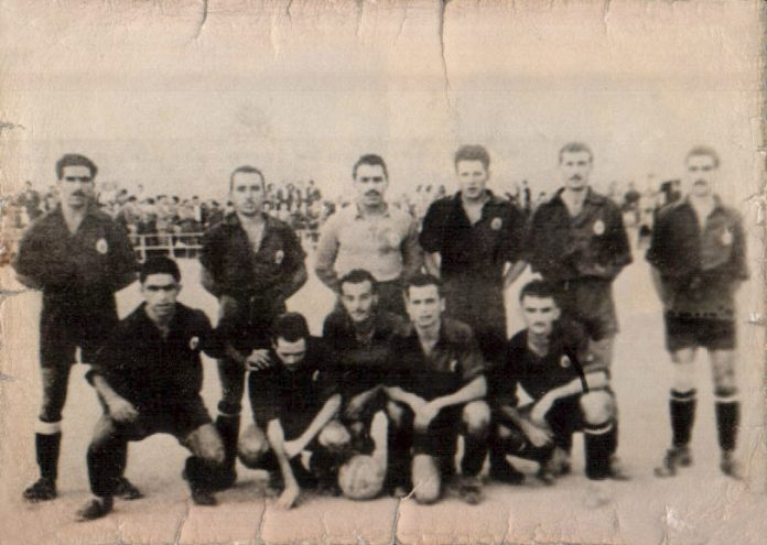 GRUPO DE FUTBOL - 1943