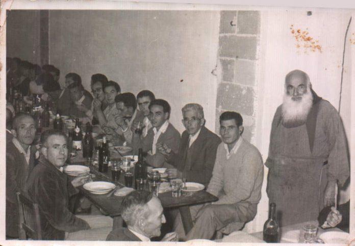 COMIDA AMIGOS EN EL PUIG - 1955