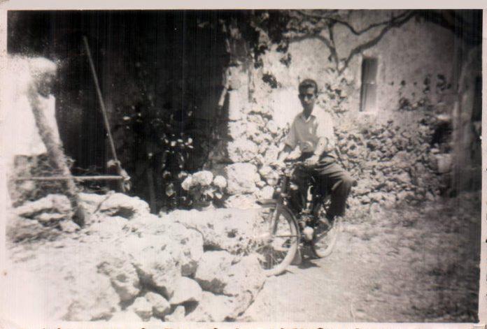 MI PADRE Y SU PRIMERA MOTO - 1954