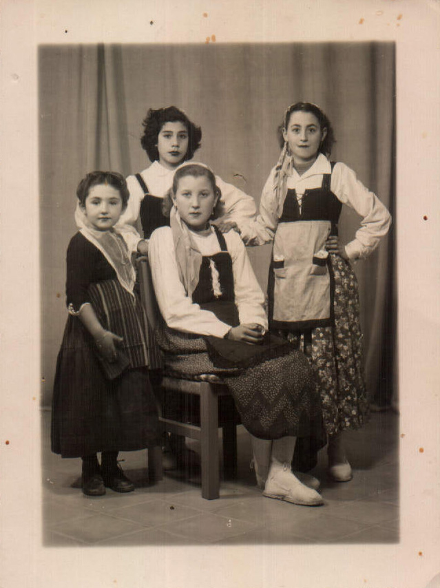 GRUPO AMIGAS - 1955