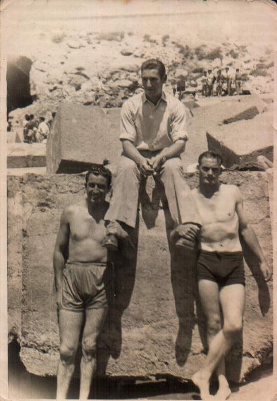 TRES HOMBRES - 1955