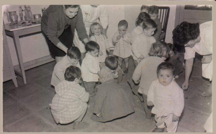 ESCOLETA INFANTIL PERLAS MAJORICA - 1961