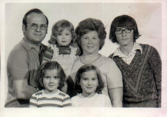 FAMILIA MARTINEZ GARCIA - 1975