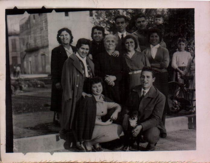 FAMILIA SALEROS - 1957